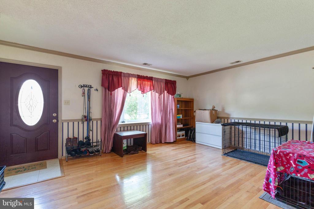Living Room - 265 LONGFORD CT, FREDERICK