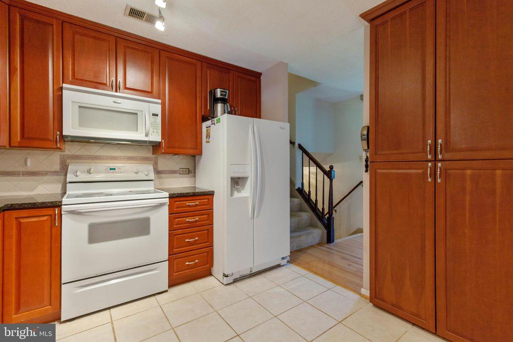 Kitchen - 265 LONGFORD CT, FREDERICK
