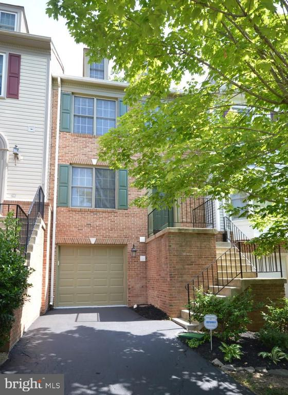 Springfield Homes for Sale -  Loft,  8806  EAGLE ROCK LANE