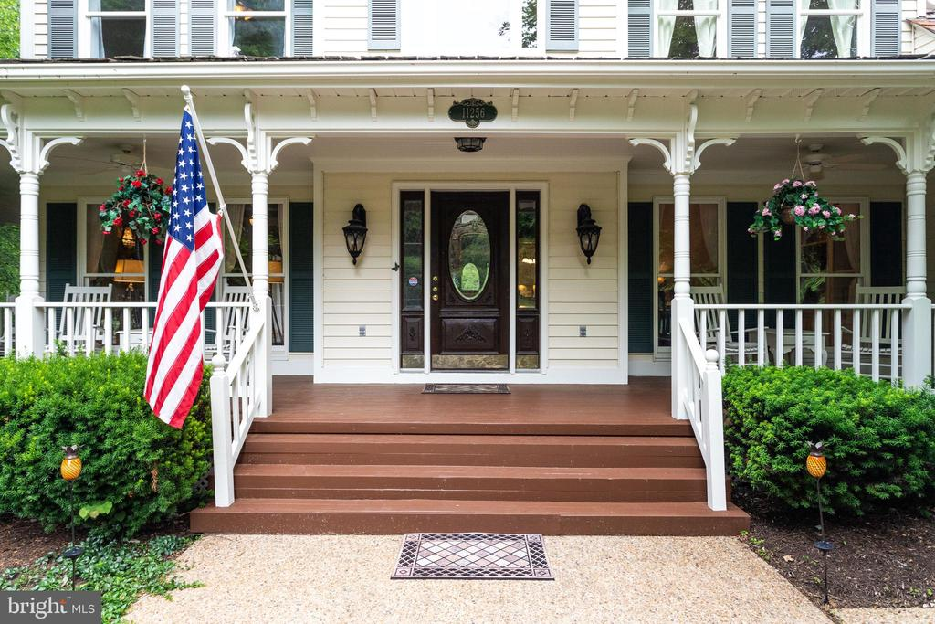 Charming Front Porch. - 11256 WAPLES MILL RD, OAKTON