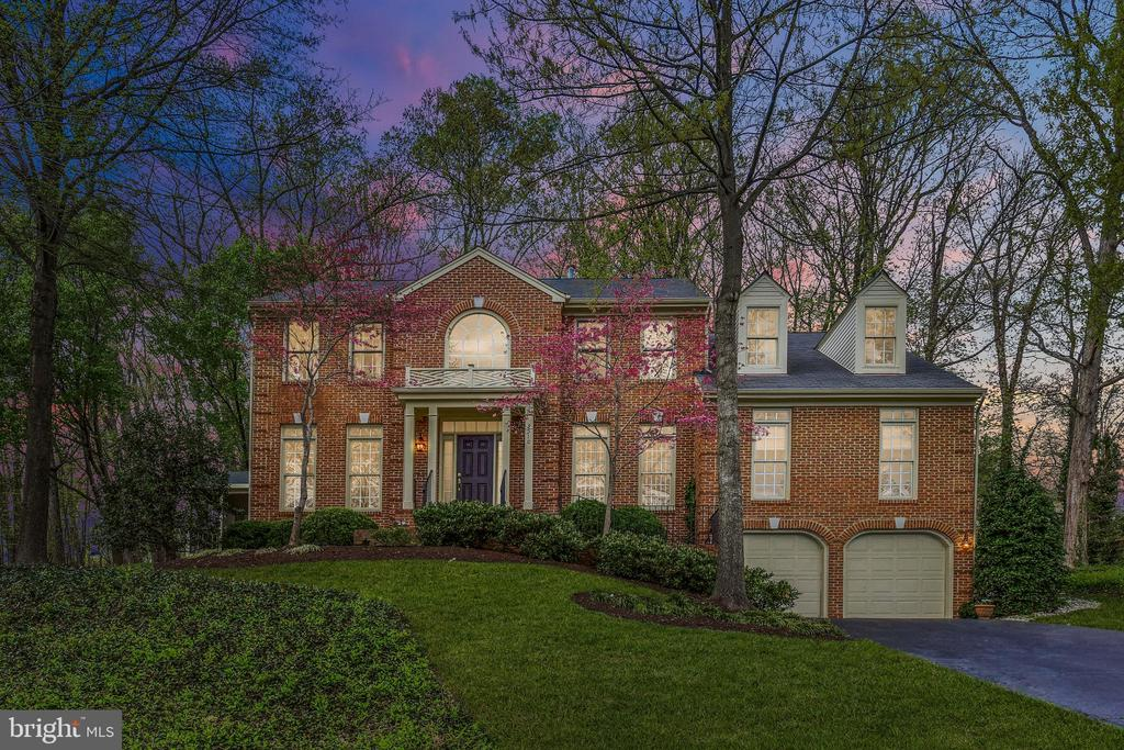 3510  WOODSIDE ROAD, Alexandria, Virginia