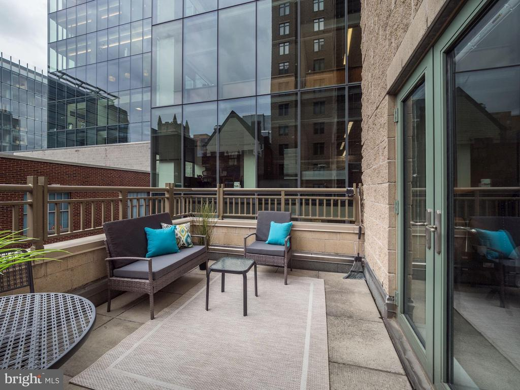Rare private balcony perfect for al fresco dining - 1150 K ST NW #309, WASHINGTON