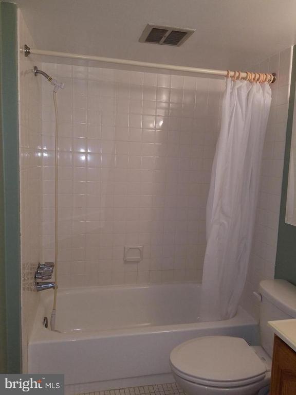 Full Bath - 7581 MARGATE CT #203, MANASSAS