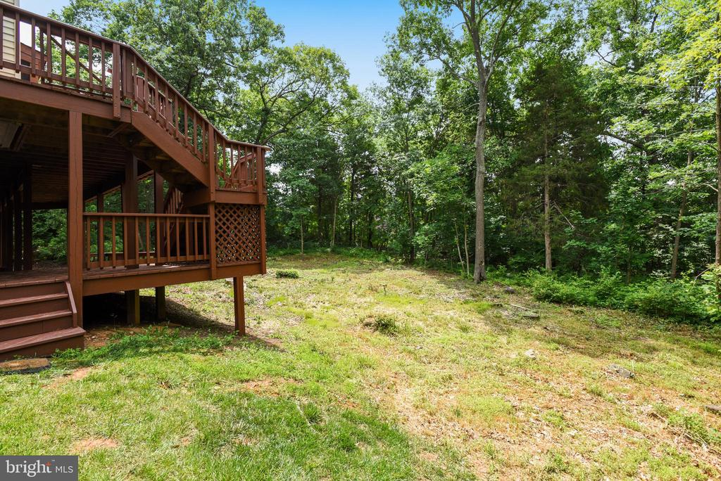 Lower level deck leads to rear yard - 20985 NIGHTSHADE PL, ASHBURN