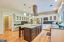NEW Custom Center Island w/Stainless Hood - 20985 NIGHTSHADE PL, ASHBURN