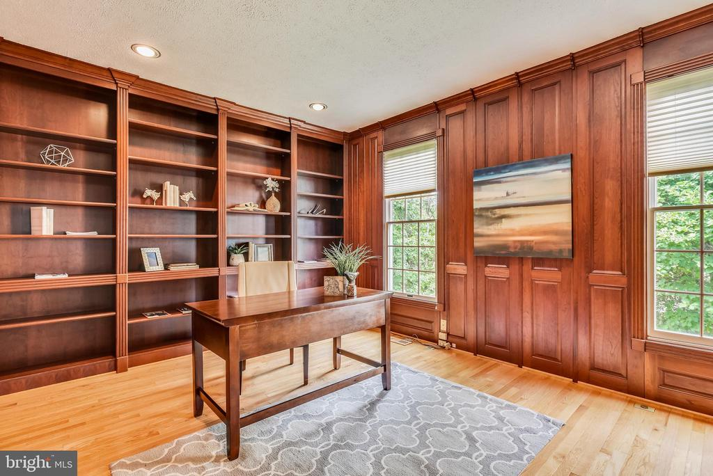 Library/Office w/Built-In Bookshelves~Wood Panels - 20985 NIGHTSHADE PL, ASHBURN