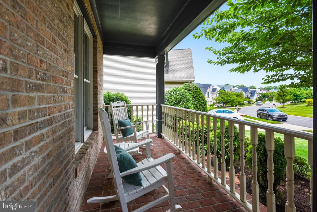 Relax and Unwind on the Full Front Porch - 20985 NIGHTSHADE PL, ASHBURN