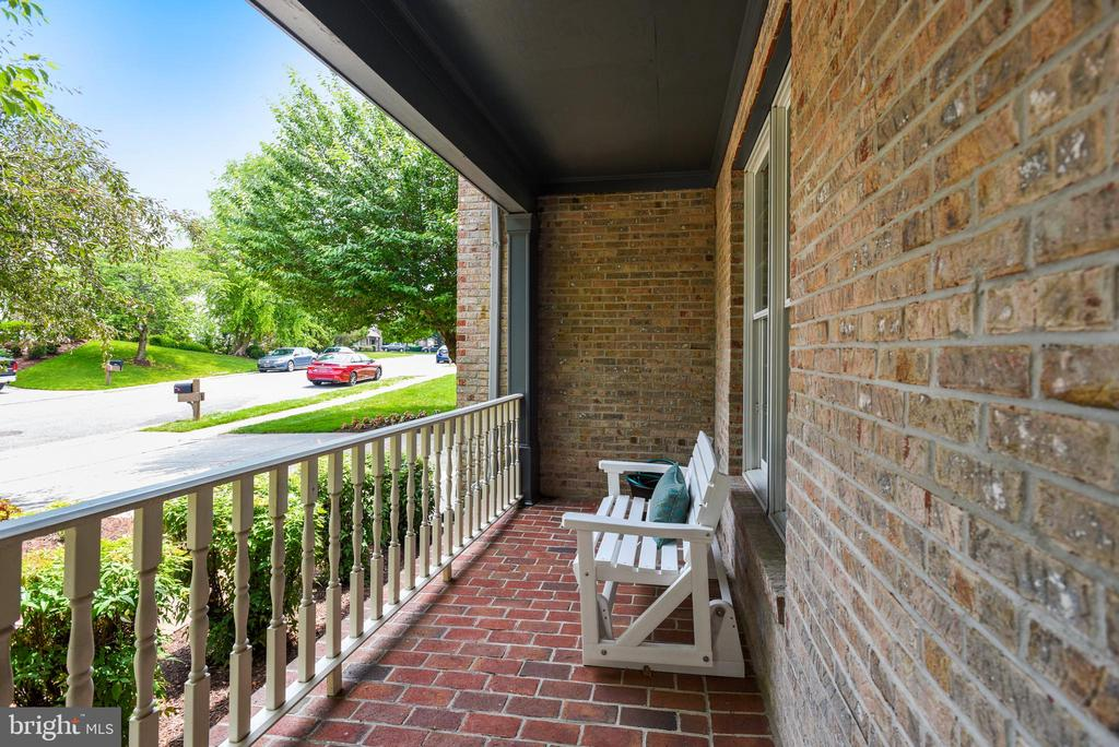 Brick Front Porch--Perfect to Sit Back and Relax - 20985 NIGHTSHADE PL, ASHBURN
