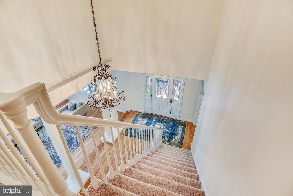 Front Staircase to Lovely Upper Level - 20985 NIGHTSHADE PL, ASHBURN