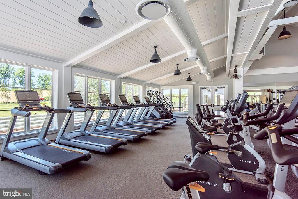 The gym is included in the HOA Fee! - 17152 GULLWING DR, DUMFRIES