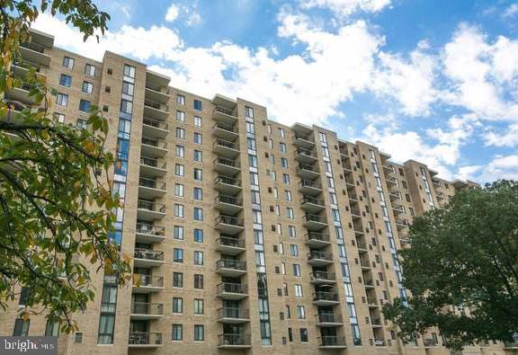 other residential homes for Rent at 4500 S Four Mile Run Dr #1202 Arlington, Virginia 22204 United States