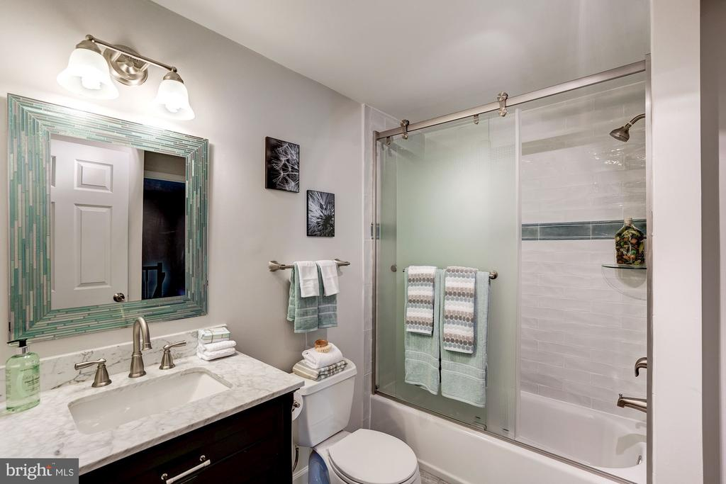 Fully Updated Bathroom - 11712 MOSSY CREEK LN, RESTON