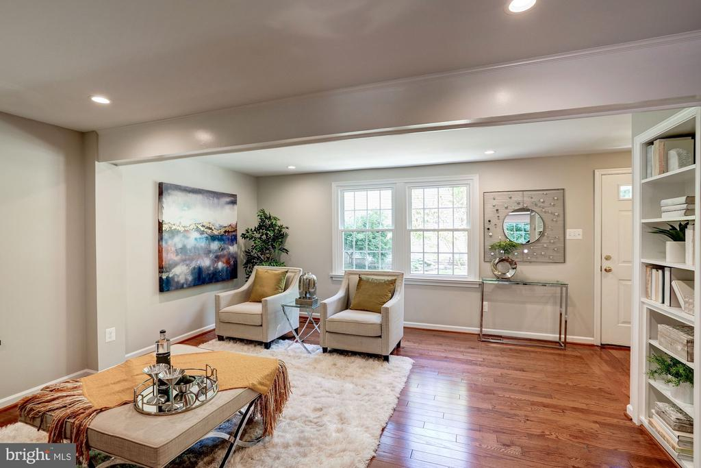 Recessed lights on Main Level - 11712 MOSSY CREEK LN, RESTON