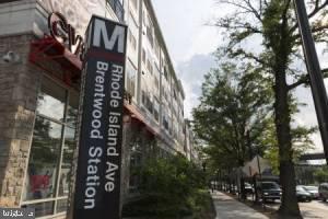 Walk to Metro - LITERALLY just steps away! - 1005 BRYANT ST NE #2, WASHINGTON