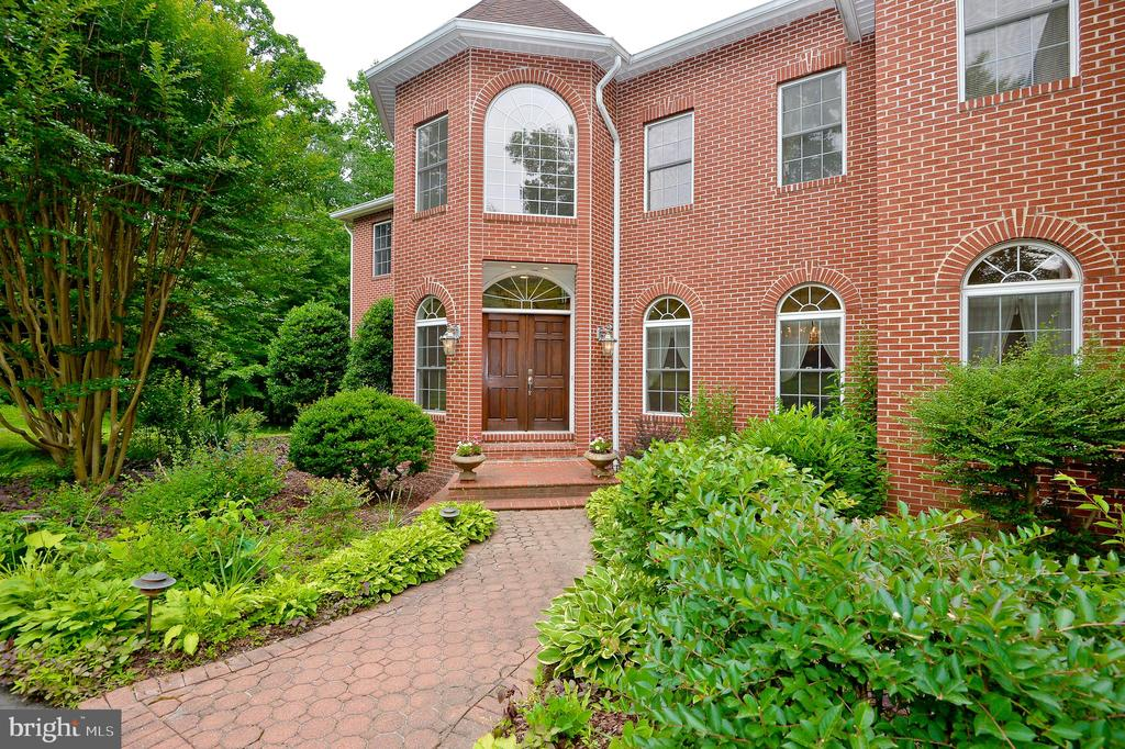 brick front home - 4560 FOREST DR, FAIRFAX