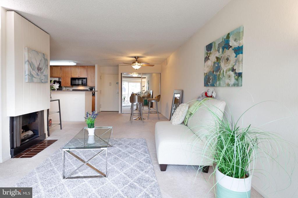 Living Room - 60 S VAN DORN ST #514, ALEXANDRIA