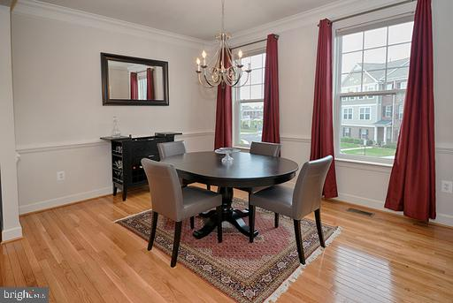 All window treatments in home convey - 118 ANTHEM AVE, HERNDON