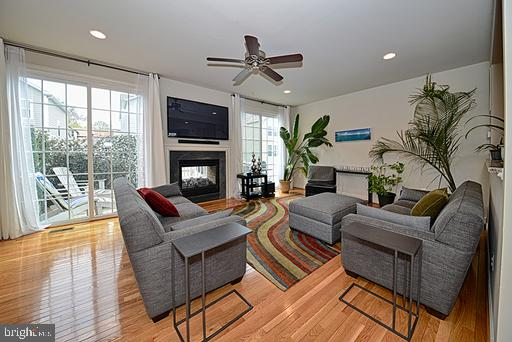 Open floor plan.  Double sided gas fireplace - 118 ANTHEM AVE, HERNDON