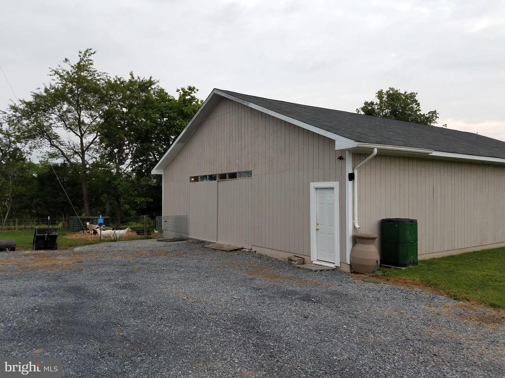 - 196 STOKES AIRPORT RD, FRONT ROYAL