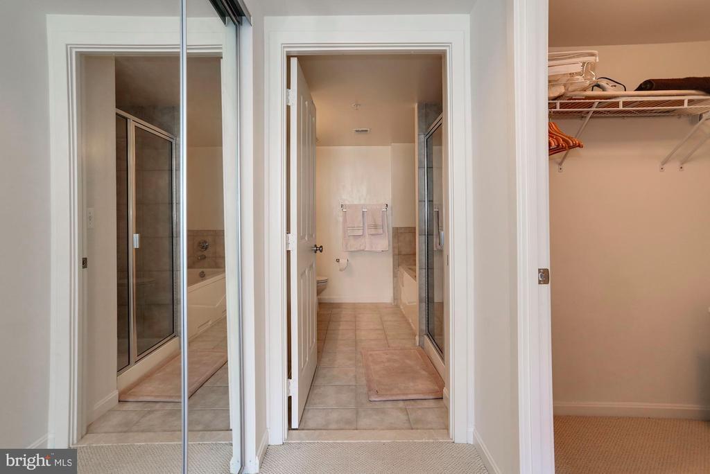 Second closet shown on the left. - 2220 FAIRFAX DR #807, ARLINGTON
