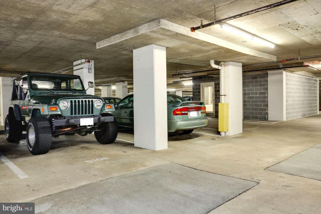 Large Parking space! - 2220 FAIRFAX DR #807, ARLINGTON