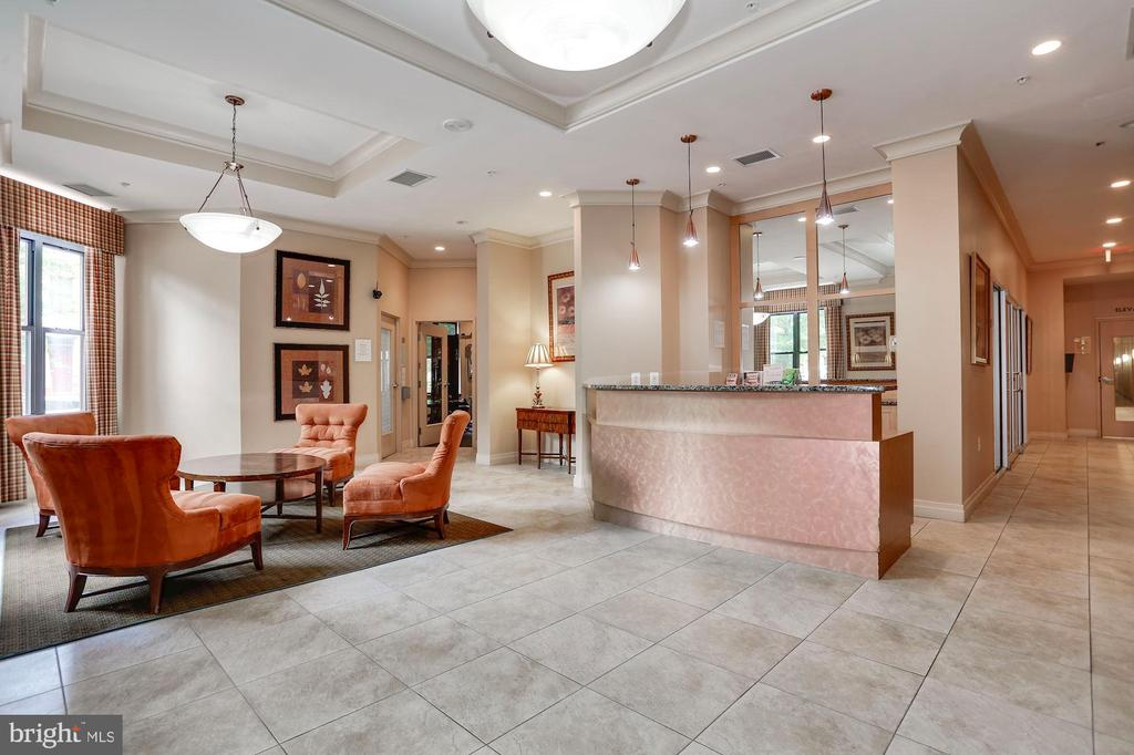 Front desk at entrance and managers office - 2220 FAIRFAX DR #807, ARLINGTON