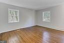 Uppr lvl MBR. Upper lvl floors just refinished. - 8303 BOTSFORD CT, SPRINGFIELD