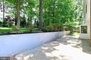 Patio and large level back yard - 8303 BOTSFORD CT, SPRINGFIELD