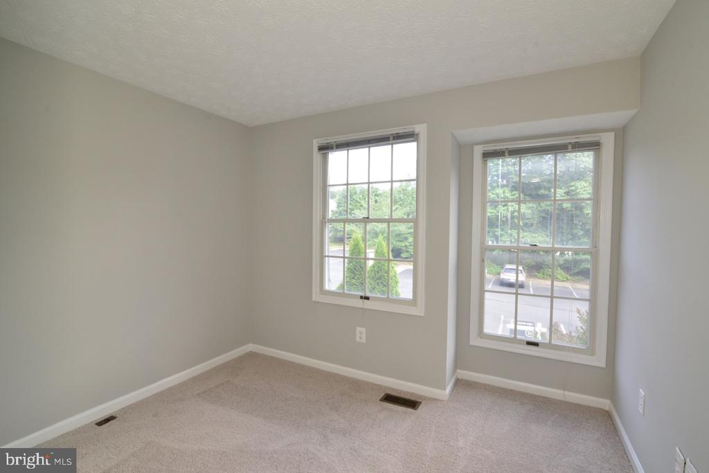 Bedroom #2 - 1560 TWISTED OAK DR, RESTON