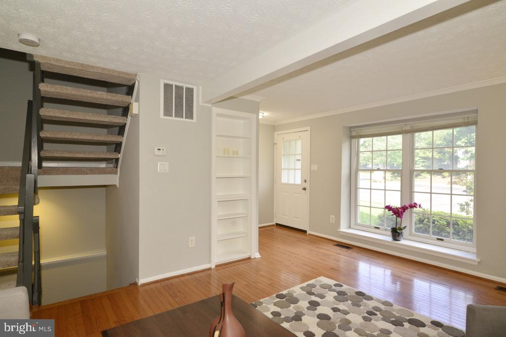 Living Room with Box Bay Window - 1560 TWISTED OAK DR, RESTON