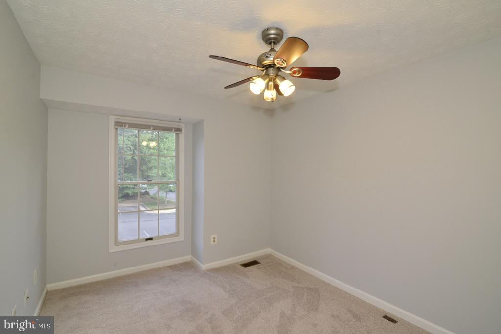 Bedroom #3 - 1560 TWISTED OAK DR, RESTON