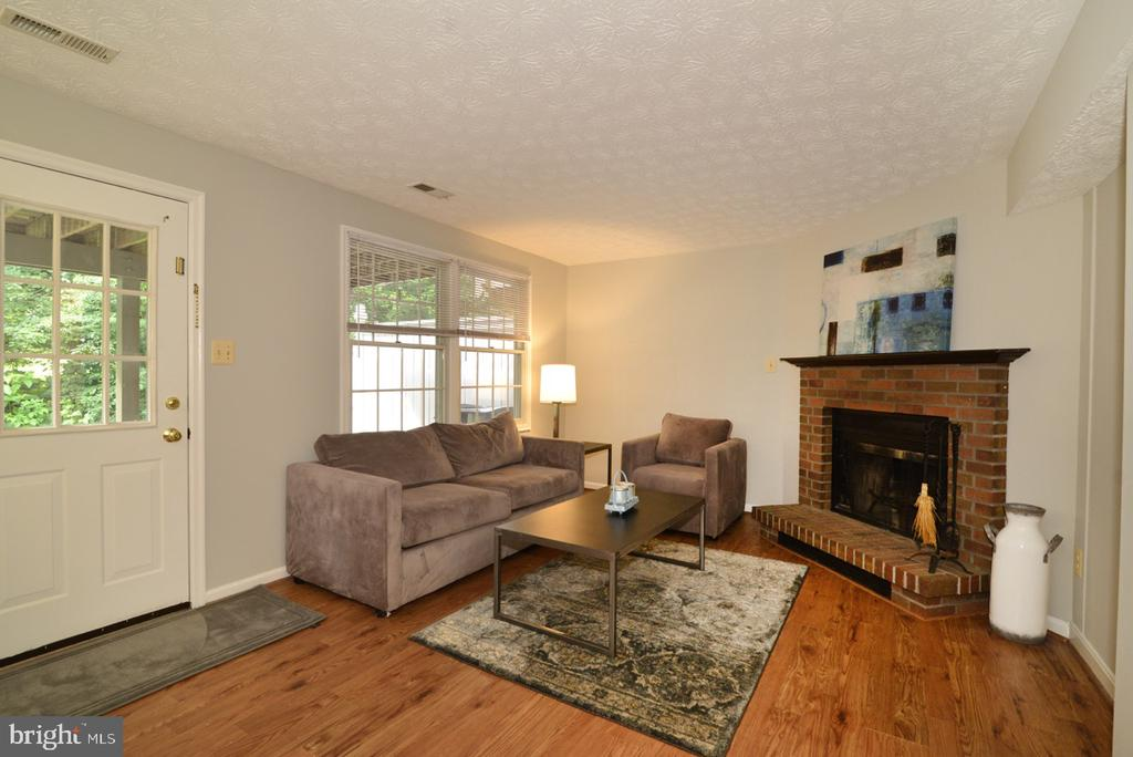 Lower Level Family Room - walks out to lower Deck - 1560 TWISTED OAK DR, RESTON