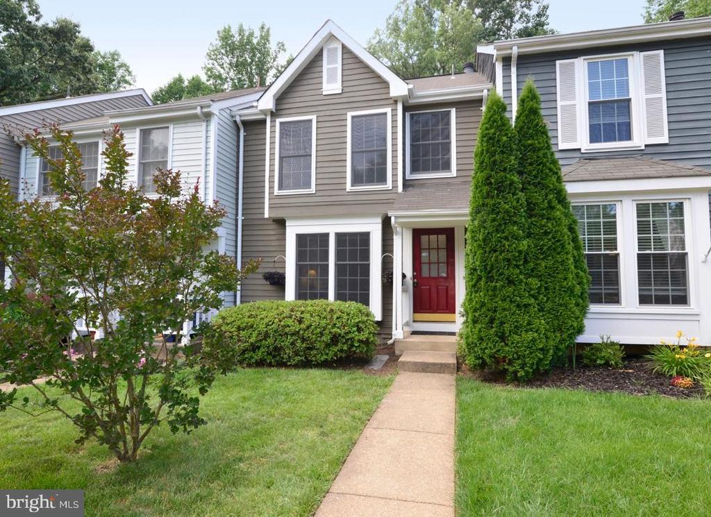 Front - 1560 TWISTED OAK DR, RESTON