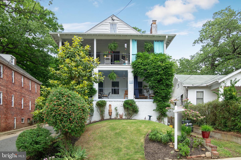 Single Family Homes für Verkauf beim Takoma Park, Maryland 20912 Vereinigte Staaten