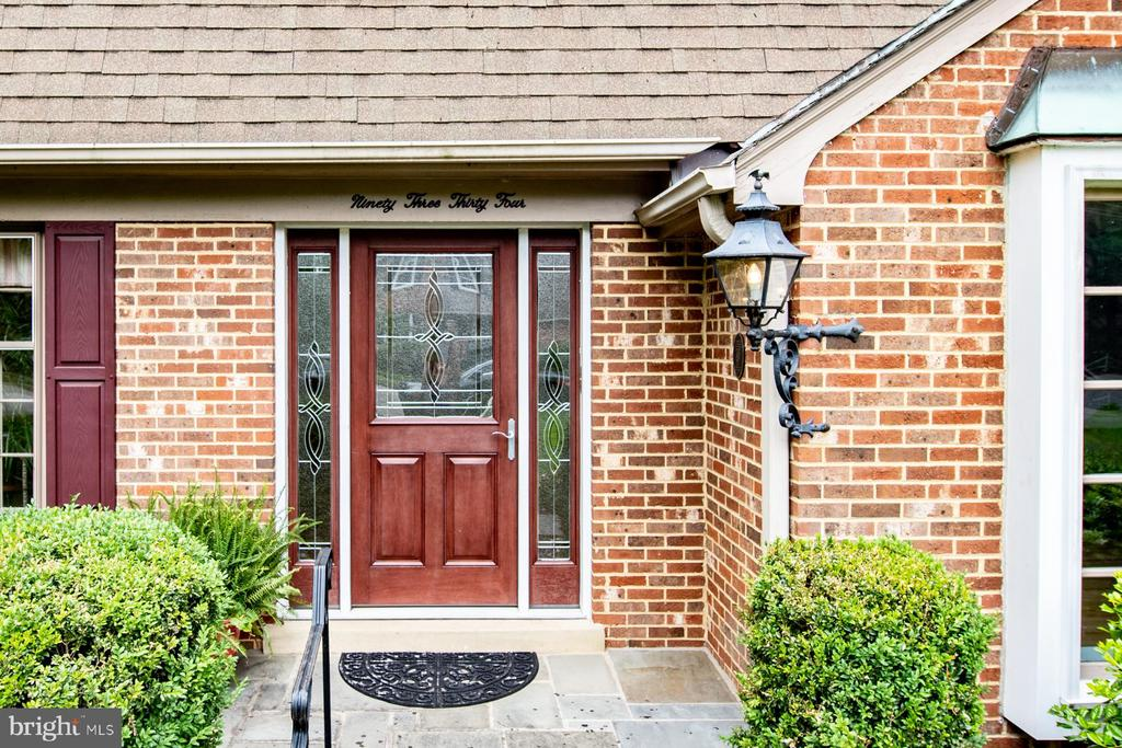 Welcome Home! - 9334 BOOTHE ST, ALEXANDRIA