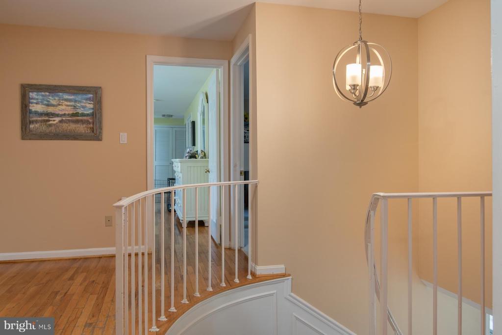 Hallway - 9334 BOOTHE ST, ALEXANDRIA