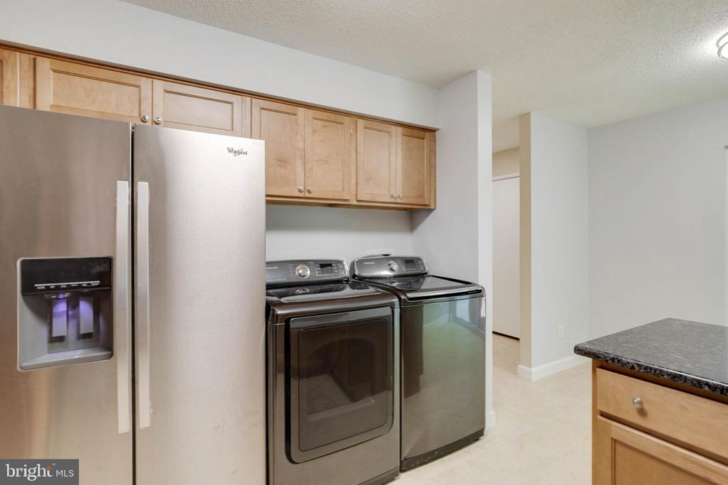 Kitchen - all new Stainless Appliances - 2316 SOUTHGATE SQ, RESTON