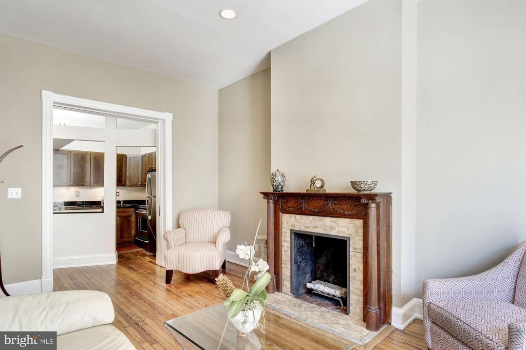 Living Open to Kitchen - 2115 N ST NW #1, WASHINGTON