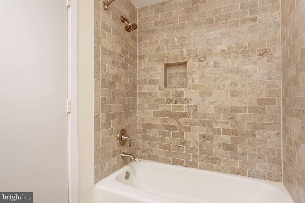 Tiled Shower - 2115 N ST NW #1, WASHINGTON