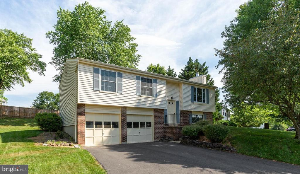Welcome Home! - 4420 CUB RUN RD, CHANTILLY