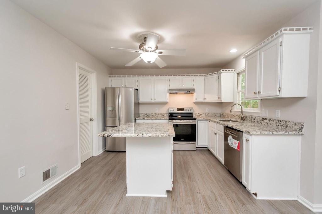 Open Kitchen with Large Island - 5021 QUEENSBURY CIR, FREDERICKSBURG