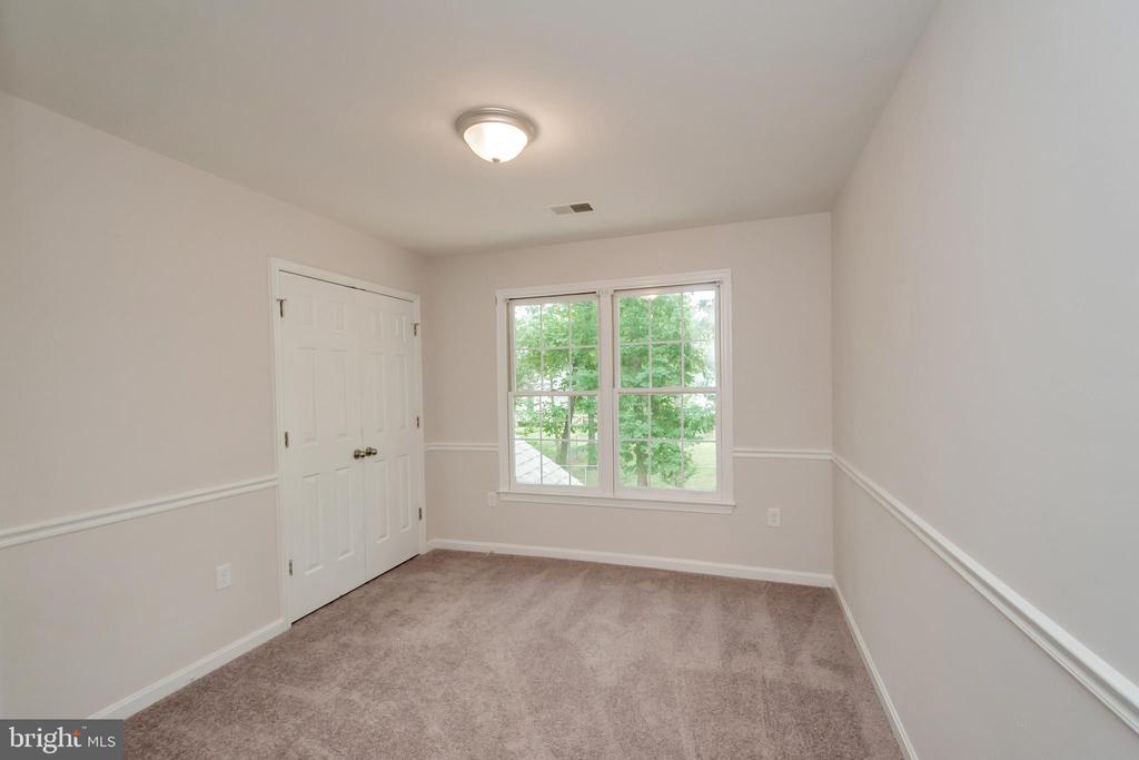 Bedroom 3 with Hall Bathroom Access - 5021 QUEENSBURY CIR, FREDERICKSBURG