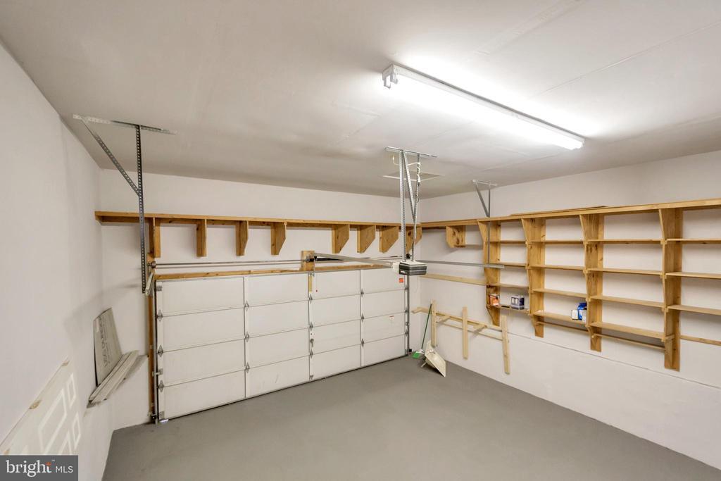 Oversized 2 Car Garage with Storage - 5021 QUEENSBURY CIR, FREDERICKSBURG