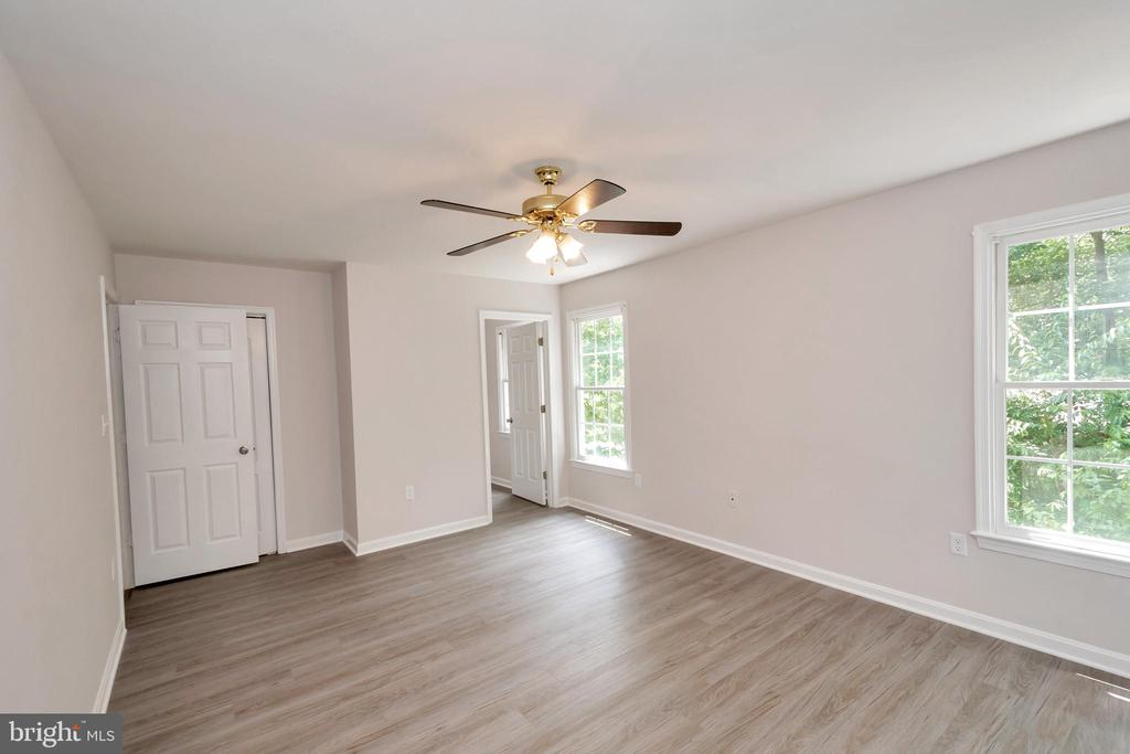 Spacious  Master Bedroom w/ Dual Closets - 5021 QUEENSBURY CIR, FREDERICKSBURG