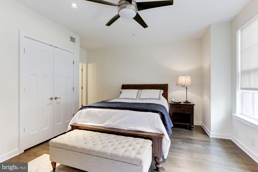 Master bedroom - 1700 CLARENDON BLVD #124, ARLINGTON