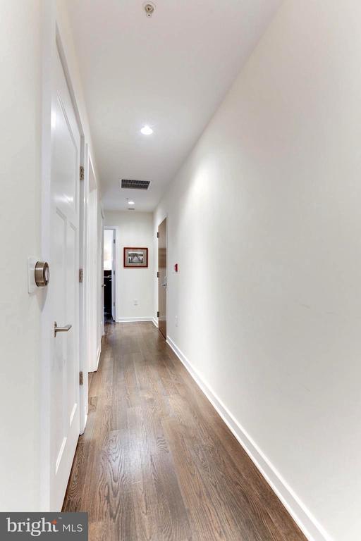 Hallway - 1700 CLARENDON BLVD #124, ARLINGTON