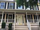 Large covered front porch - 11810 HICKORY CREEK DR, FREDERICKSBURG