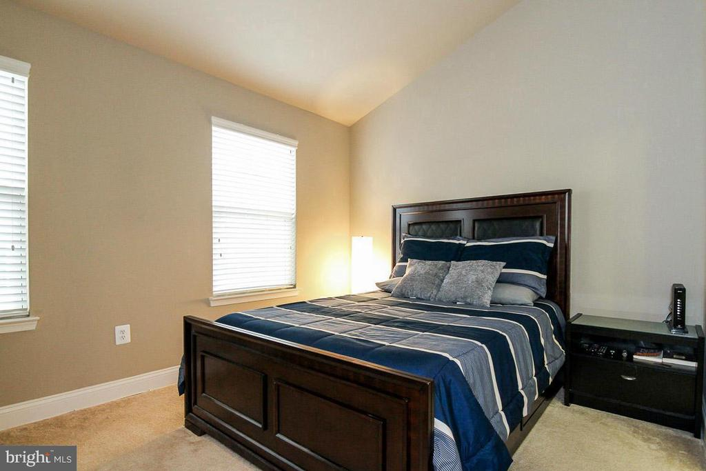 Owner's Bedroom with Cathedral Ceiling - 4306 POTOMAC HIGHLANDS CIR #41, TRIANGLE