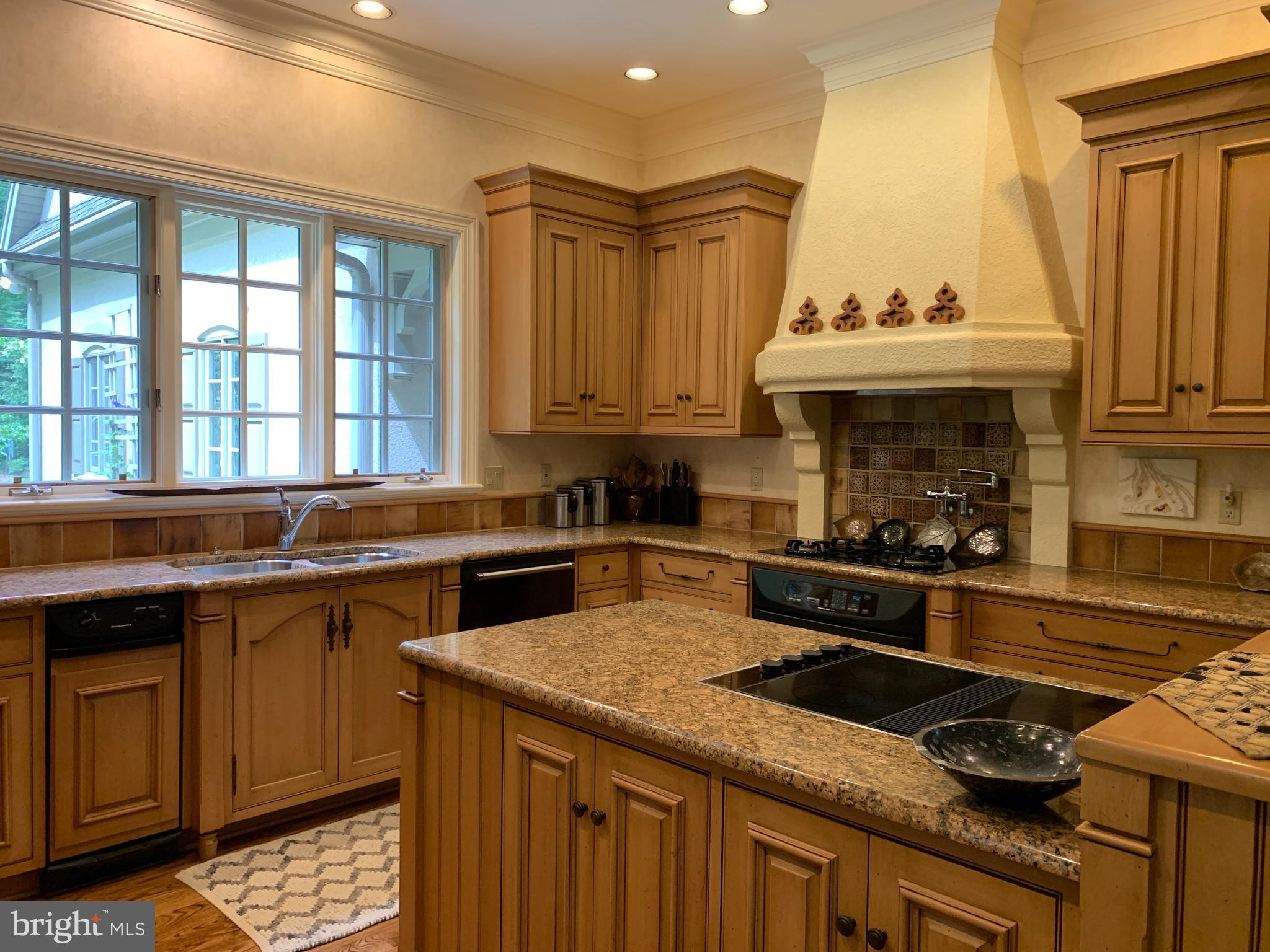 Kitchen - Your choice of electric or gas cooking