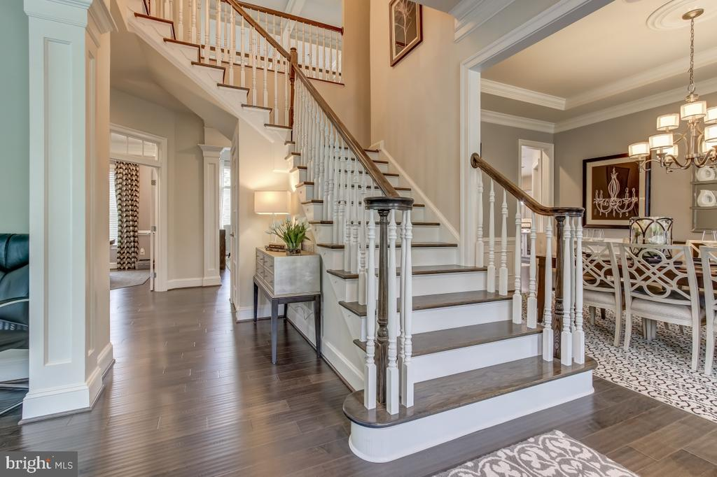 Grand dual staircase at entrance foyer - 2327 DALE DR, FALLS CHURCH